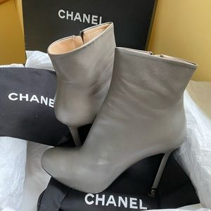 Chanel grey booties size 39